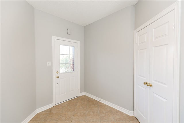 Detached at 15 Mcintyre Dr, Barrie, Ontario. Image 14