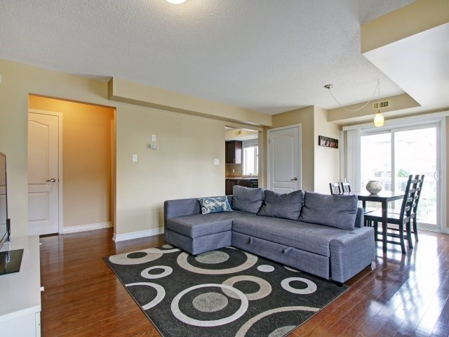 Condo Townhouse at 135 Sydenham Wells Rd, Unit 3, Barrie, Ontario. Image 16