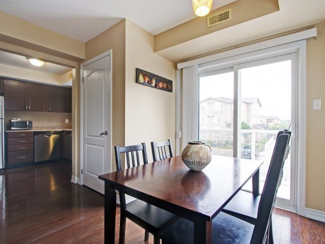 Condo Townhouse at 135 Sydenham Wells Rd, Unit 3, Barrie, Ontario. Image 17