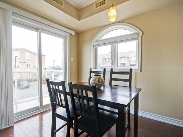 Condo Townhouse at 135 Sydenham Wells Rd, Unit 3, Barrie, Ontario. Image 19