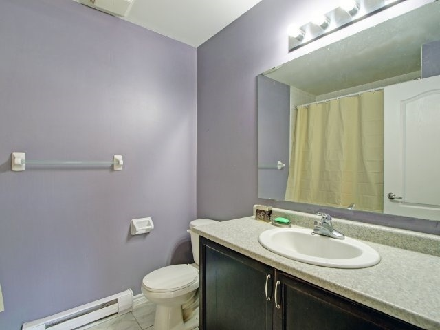 Condo Townhouse at 135 Sydenham Wells Rd, Unit 3, Barrie, Ontario. Image 6