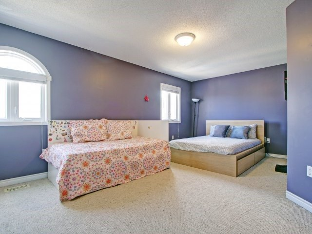 Condo Townhouse at 135 Sydenham Wells Rd, Unit 3, Barrie, Ontario. Image 7