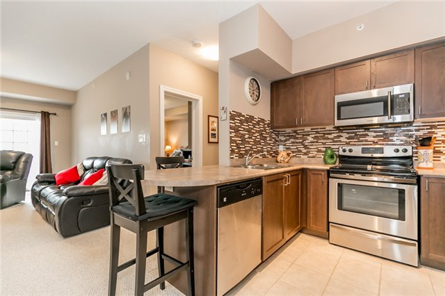 Condo Apartment at 43 Ferndale Rd S, Unit 109, Barrie, Ontario. Image 19