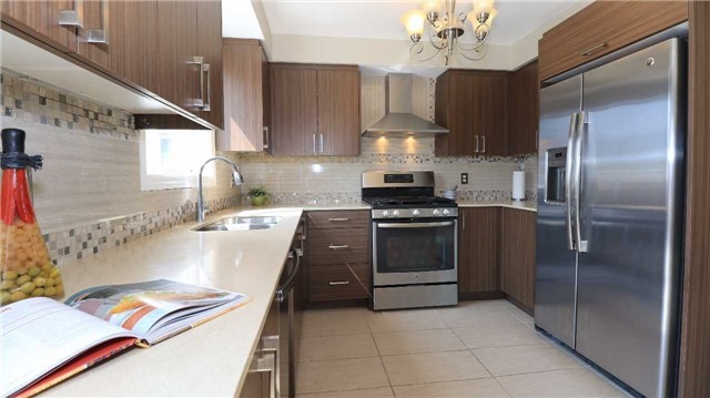 Detached at 66 Kenwell Cres, Barrie, Ontario. Image 14