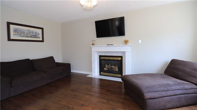Detached at 66 Kenwell Cres, Barrie, Ontario. Image 18