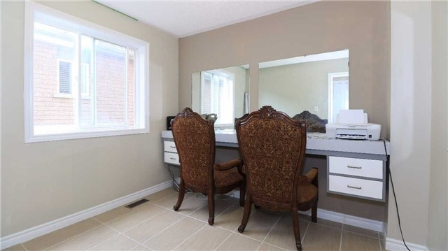 Detached at 66 Kenwell Cres, Barrie, Ontario. Image 19