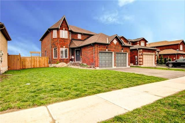 Detached at 279 Johnson St, Barrie, Ontario. Image 1