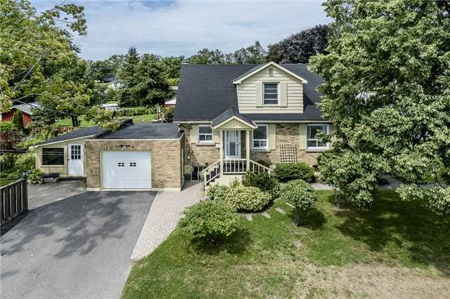 Detached at 62 Cook St, Barrie, Ontario. Image 1