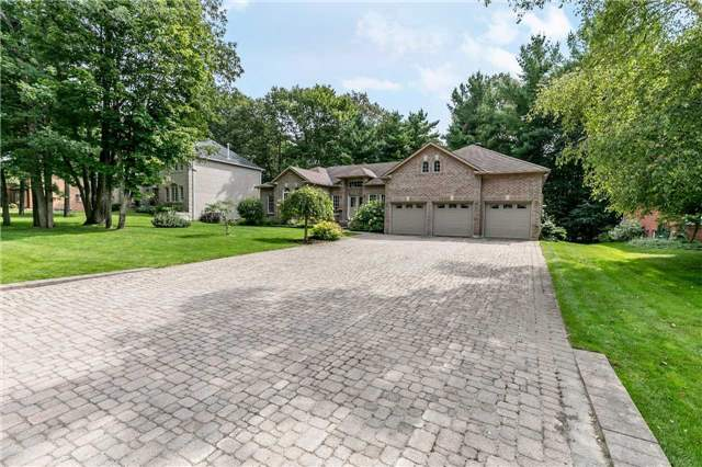 Detached at 19 Alana Dr, Springwater, Ontario. Image 1