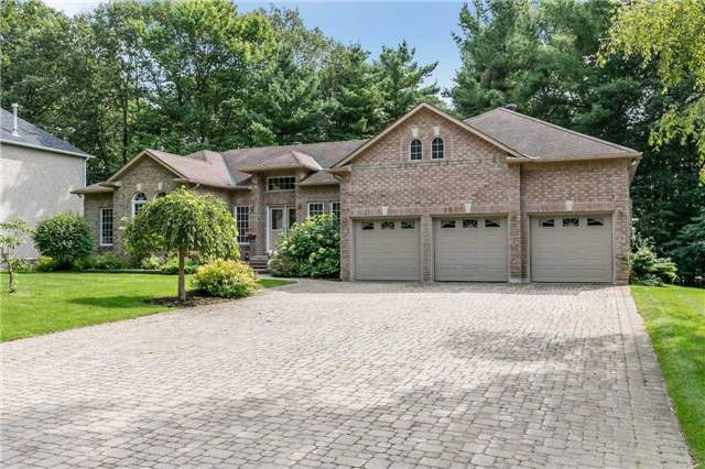 Detached at 19 Alana Dr, Springwater, Ontario. Image 12