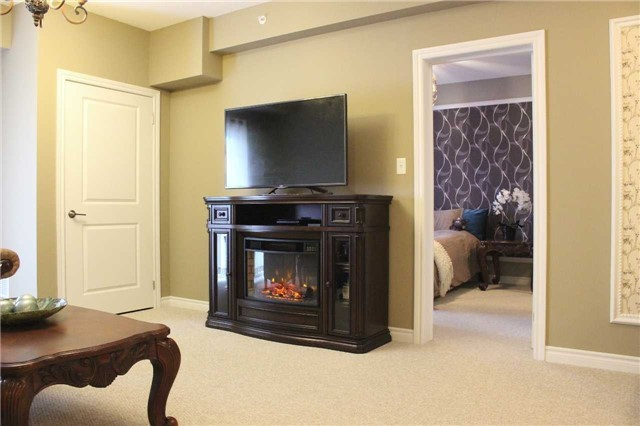 Condo Apartment at 7 Greenwich St, Unit 205, Barrie, Ontario. Image 18