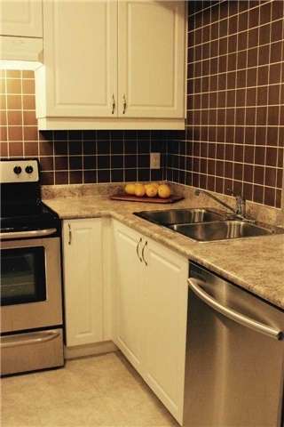 Condo Apartment at 7 Greenwich St, Unit 205, Barrie, Ontario. Image 20