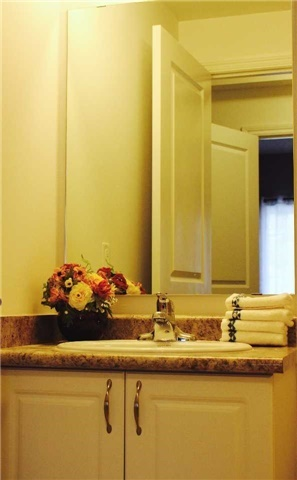 Condo Apartment at 7 Greenwich St, Unit 205, Barrie, Ontario. Image 5