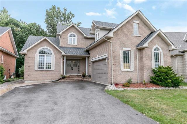 Detached at 118 Cumming Dr, Barrie, Ontario. Image 1