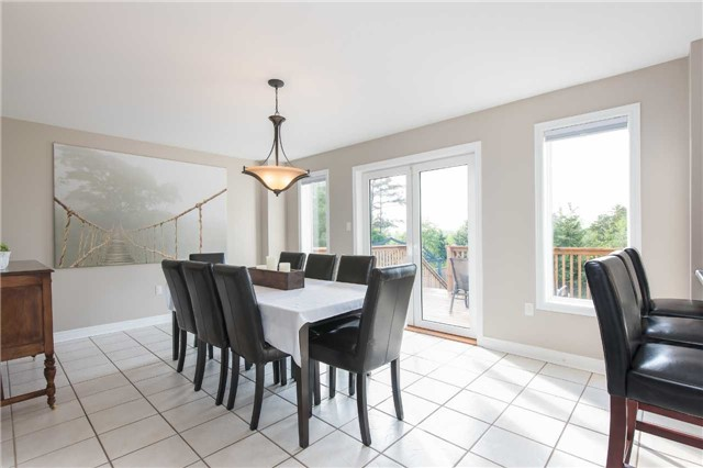 Detached at 42 Wildwood Tr, Barrie, Ontario. Image 18