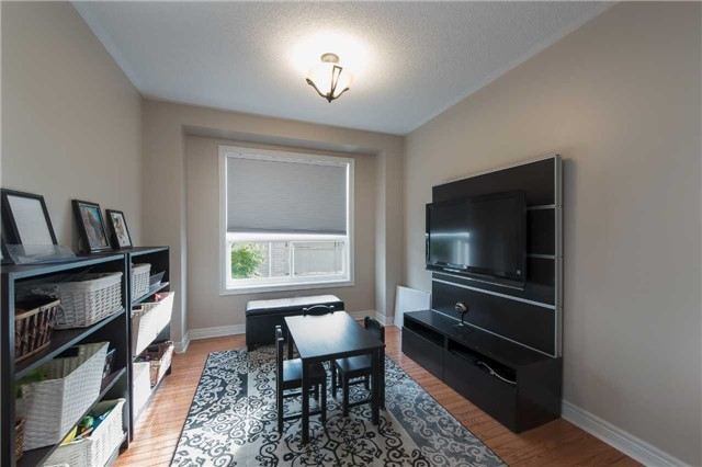 Detached at 42 Wildwood Tr, Barrie, Ontario. Image 19