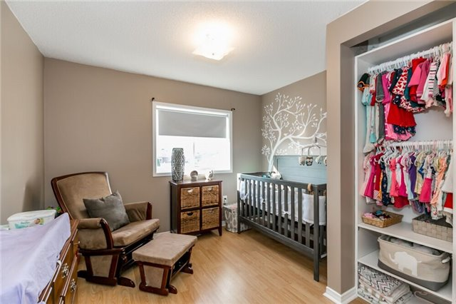 Link at 153 Nathan Cres N, Barrie, Ontario. Image 6