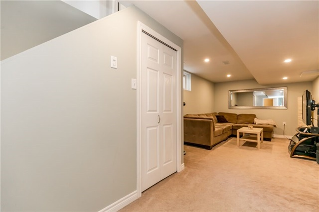 Link at 153 Nathan Cres N, Barrie, Ontario. Image 8