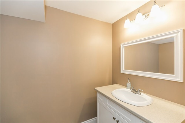 Link at 153 Nathan Cres N, Barrie, Ontario. Image 10