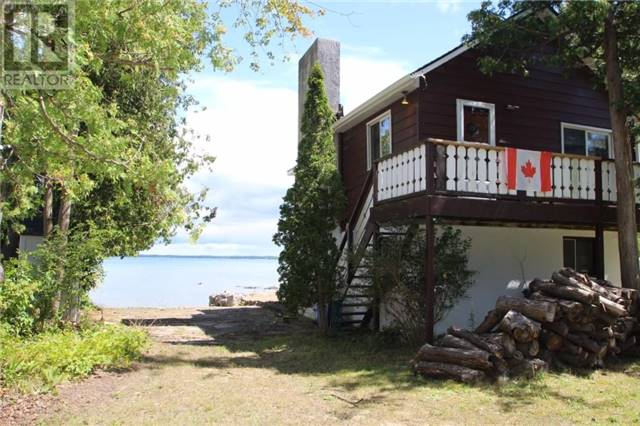 Cottage at 16 William Ave, Wasaga Beach, Ontario. Image 10