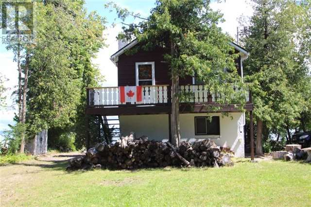Cottage at 16 William Ave, Wasaga Beach, Ontario. Image 11