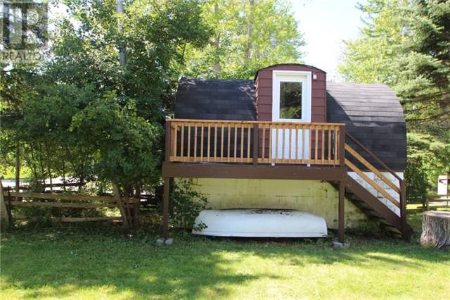 Cottage at 16 William Ave, Wasaga Beach, Ontario. Image 12