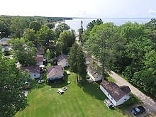 Cottage at 11 Parkside Dr, Tiny, Ontario. Image 1