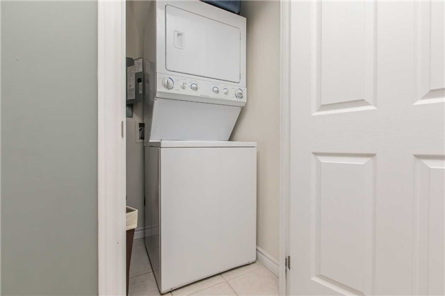 Condo Apartment at 37 Ellen  St, Unit 401, Barrie, Ontario. Image 8