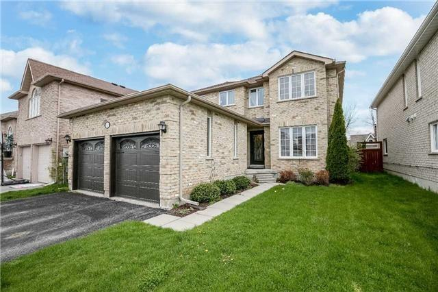 Detached at 118 Country Lane, Barrie, Ontario. Image 1
