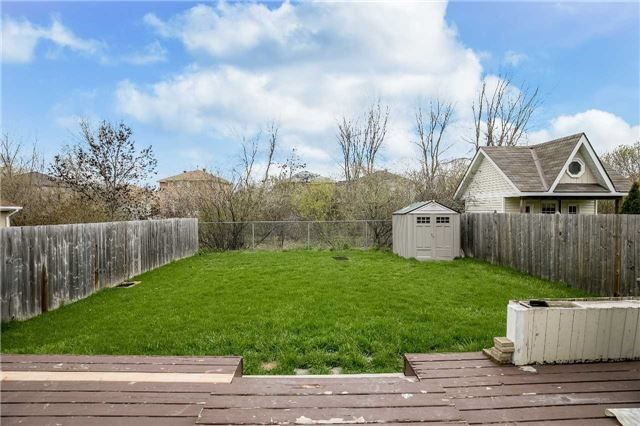 Detached at 118 Country Lane, Barrie, Ontario. Image 12