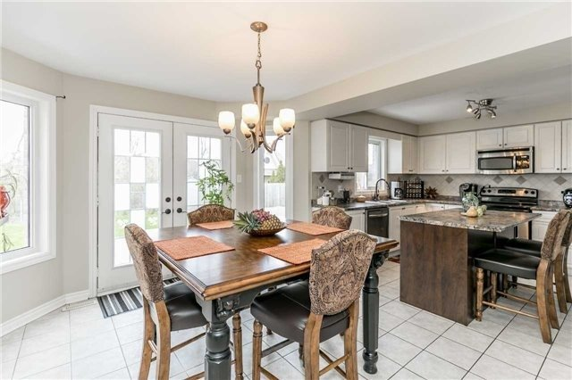 Detached at 118 Country Lane, Barrie, Ontario. Image 15