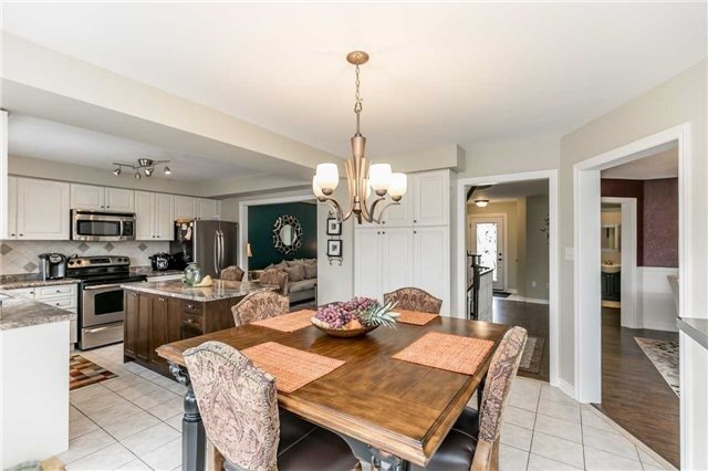 Detached at 118 Country Lane, Barrie, Ontario. Image 19