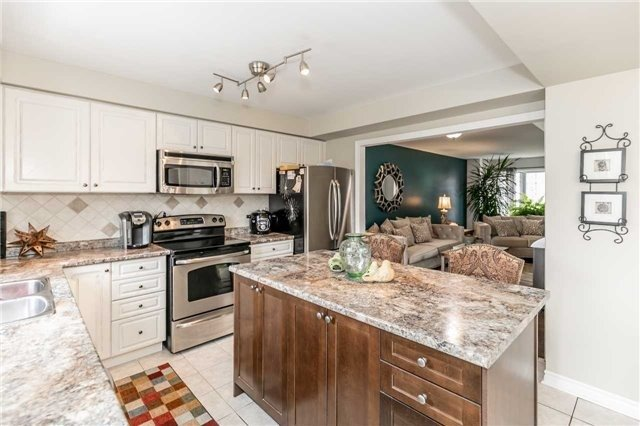 Detached at 118 Country Lane, Barrie, Ontario. Image 20