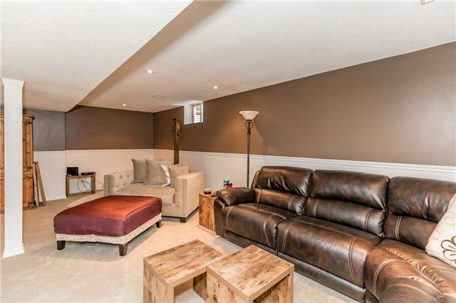Detached at 118 Country Lane, Barrie, Ontario. Image 10