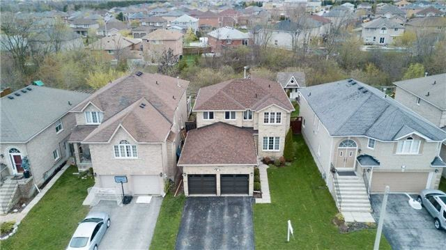 Detached at 118 Country Lane, Barrie, Ontario. Image 13