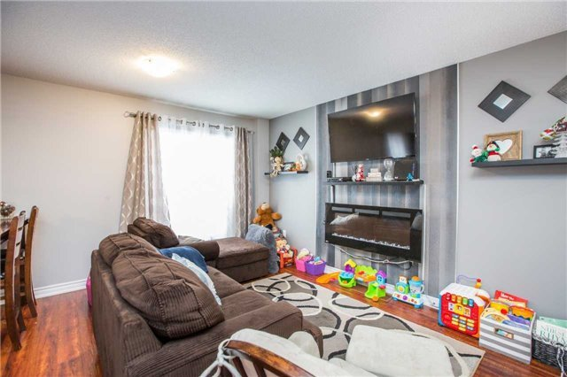 Detached at 34 Crew Crt, Barrie, Ontario. Image 11