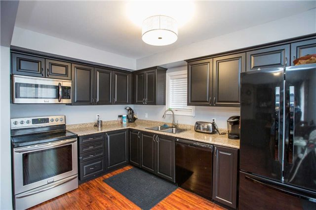 Detached at 34 Crew Crt, Barrie, Ontario. Image 14