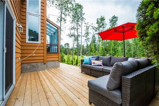 Detached at 13 Crescent Dr, Tay, Ontario. Image 3
