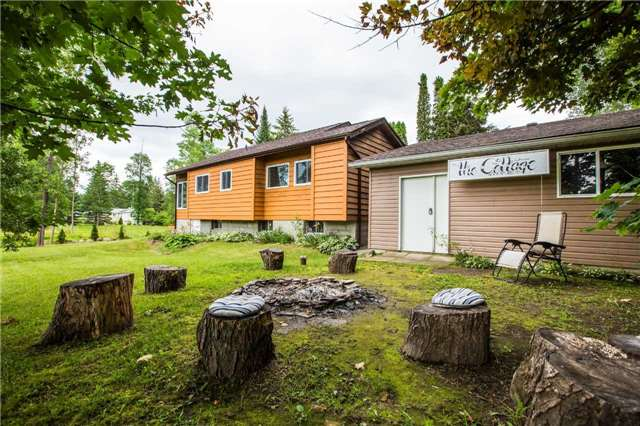 Detached at 13 Crescent Dr, Tay, Ontario. Image 5
