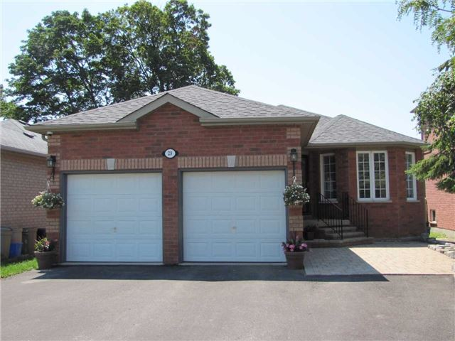 Detached at 29 Sydenham Wells St, Barrie, Ontario. Image 1