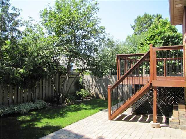 Detached at 29 Sydenham Wells St, Barrie, Ontario. Image 13