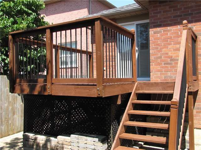 Detached at 29 Sydenham Wells St, Barrie, Ontario. Image 16