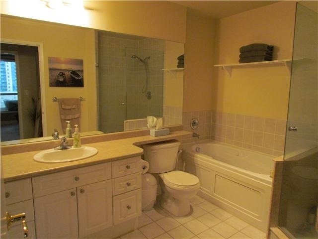 Condo Apartment at 2 Toronto St, Unit 501, Barrie, Ontario. Image 12