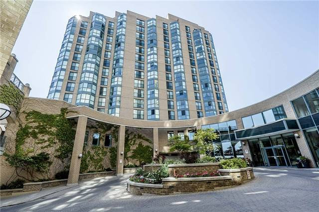 Condo Apartment at 140 Dunlop St E, Unit 811, Barrie, Ontario. Image 1
