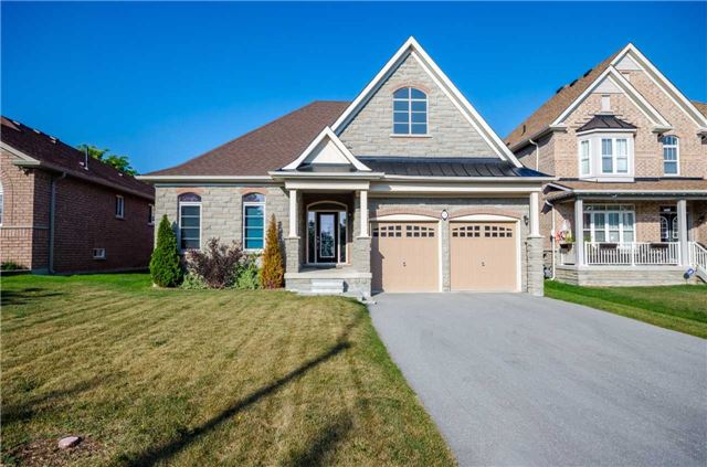 Detached at 31 Royal Park Blvd, Barrie, Ontario. Image 1