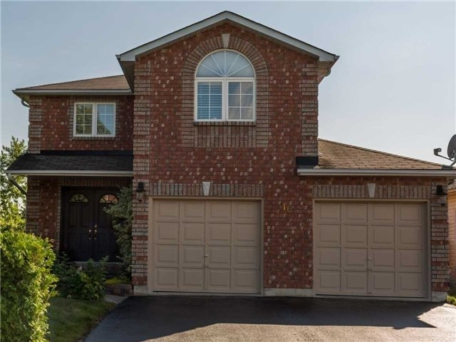 Detached at 16 Dykstra Dr, Barrie, Ontario. Image 11