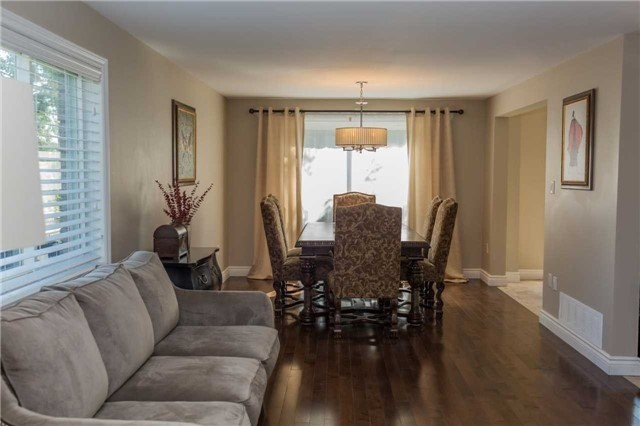 Detached at 16 Dykstra Dr, Barrie, Ontario. Image 17