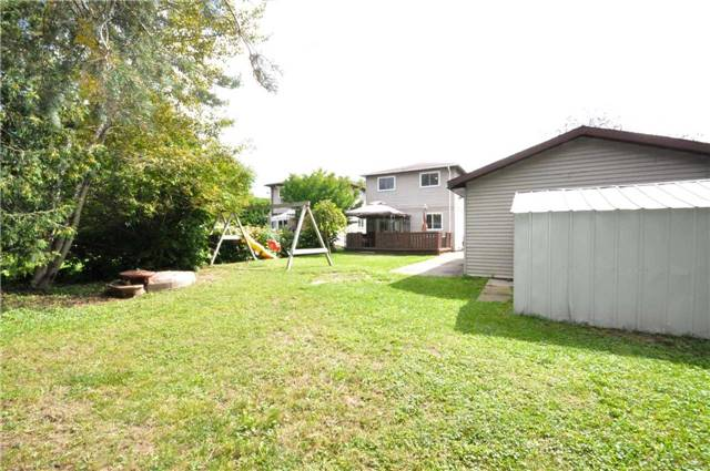 Detached at 125 Burns  Circ, Barrie, Ontario. Image 13