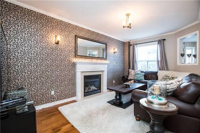 Detached at 14 Bell St, Barrie, Ontario. Image 14