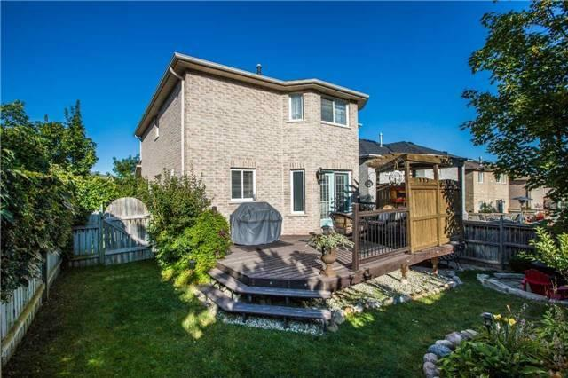 Detached at 14 Bell St, Barrie, Ontario. Image 13
